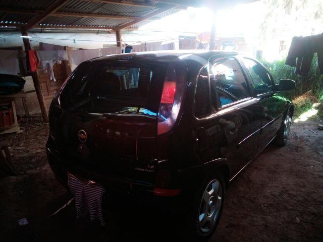 Corsa Hatch 4 portas 1.4 flex negro - Foto 7