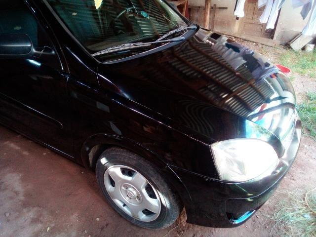 Corsa Hatch 4 portas 1.4 flex negro - Foto 4