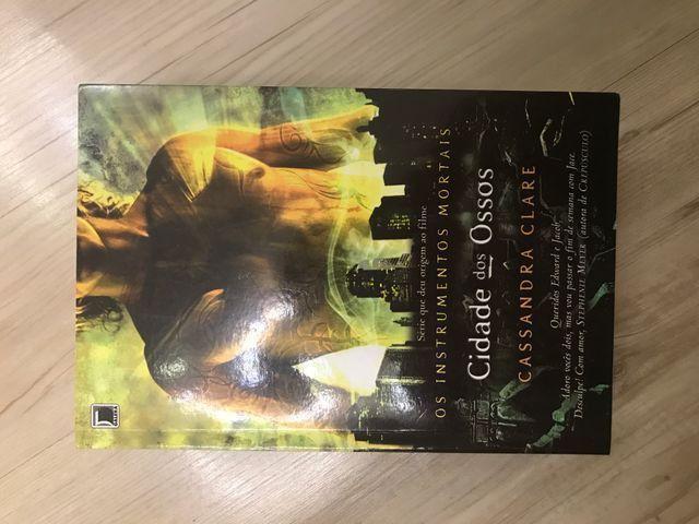 Vendo Livros Cassandra Clare