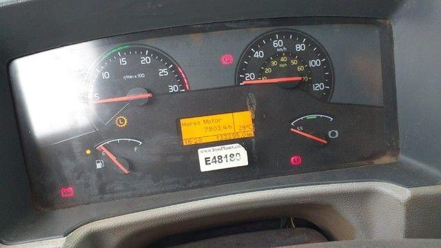 Caminhão Basculante Volvo VM 330 - Foto 9