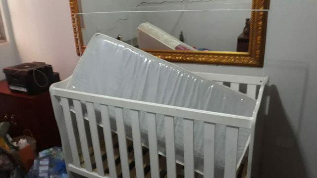 Berço infantil com colchão.  - Foto 2