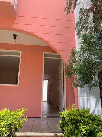 Aluga-se duplex em condomínio fechado no Bairro Lagoa Seca, próximo as faculdades. - Foto 2
