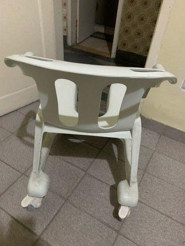 Cadeira de rodas em PVC - Foto 6