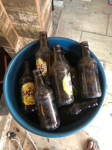 Lote 20 garrafas vidro cerveja  - Foto 2