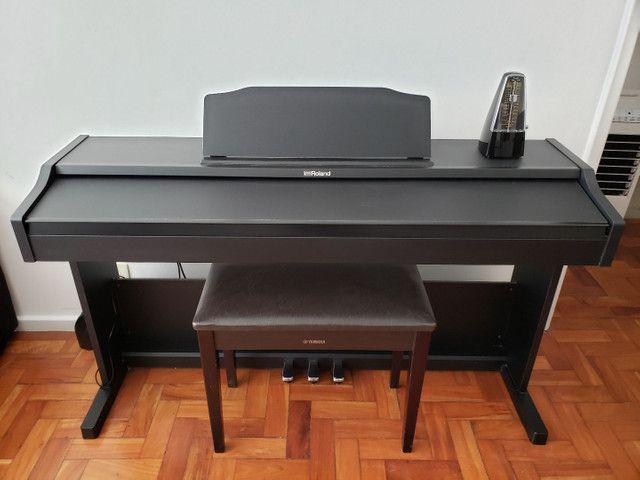 Piano Digital Roland Rp102  Preto 88 Teclas1 - Foto 3