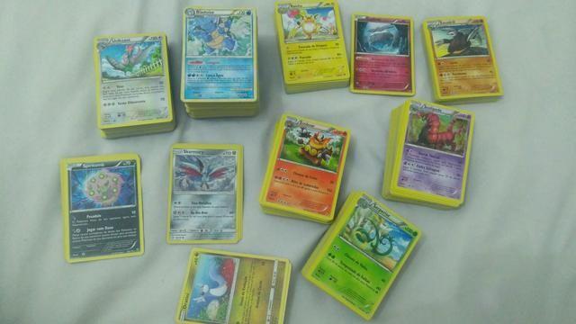 Lote de Cartas de Pokémon de Tipos Variados