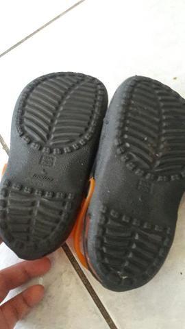 Vendo está duas sandalia