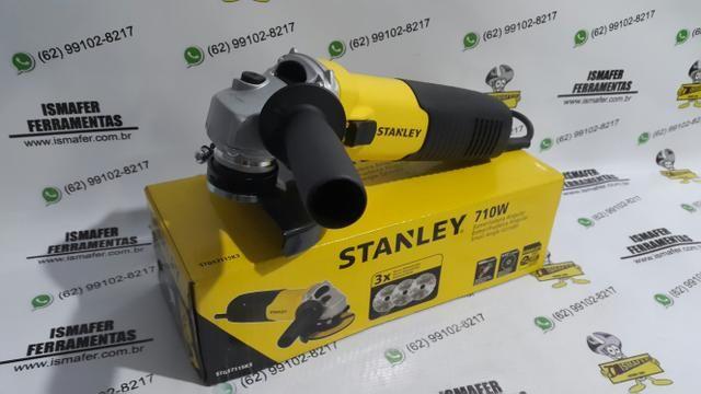 Esmerilhadeira / lixadeira Stanley 710w