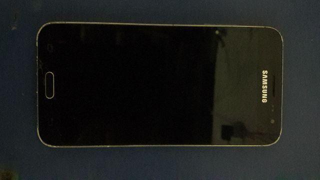 J3 (J320) Com visor queimado