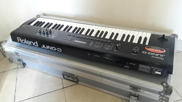 Teclado roland Juno D e case