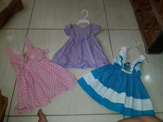 Lote vestidos infantis