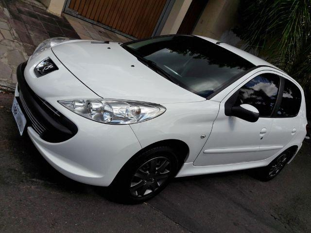 Peugeot 207 XR Zerado Completo Lacrado 4pneus novos Revisado
