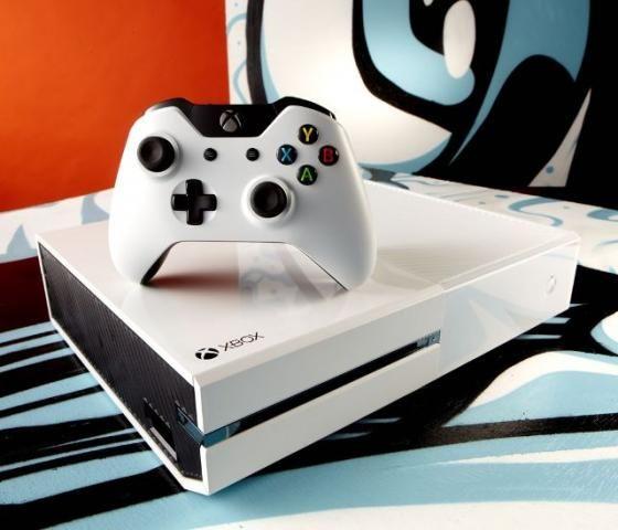 Xbox One S + 3 jogos original + Aceitamos Cartão/aceitamos o seu usado confira