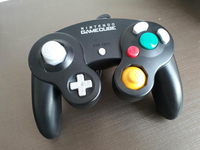 Necessito de 2 controles de game cube originais
