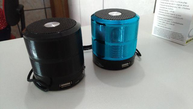 Caixa De Som Bluetooth Speaker Ipad, Iphone, Android