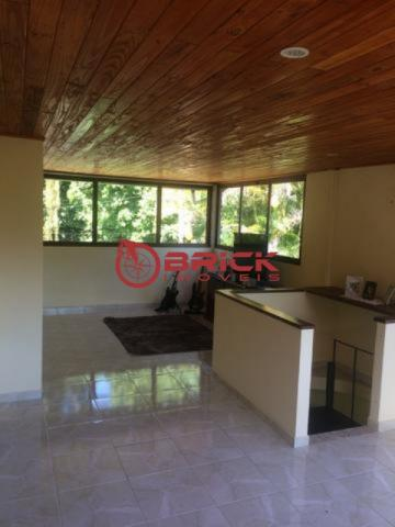 Ótima casa em condomínio com 4 quartos sendo 2 suítes em Guapimirim - Foto 5