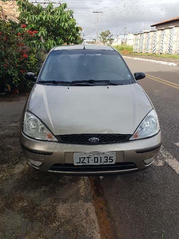 Focus Ghia 2.0 16v ano 2004