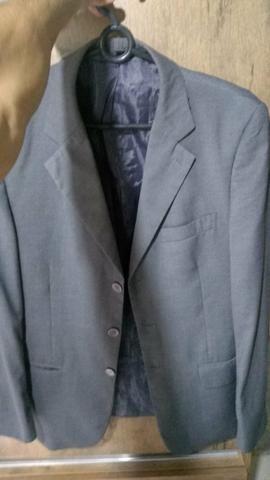 Vende-se: 2 Blazers ( Preto e Cinza ) , 1 Terno + 2 duas gravatas - Foto 3