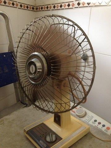 Ventilador antigo funcionando...