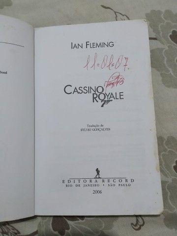 Livro 007 Cassino Royale - Foto 3