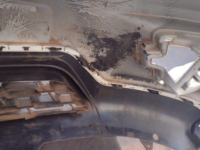 Parachoque dianteiro Renault Kwid original usado  - Foto 4