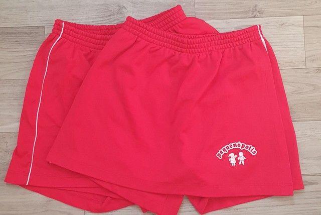 3 camisetas e 2 shorts saia (Uniformes escolar -  farda Escola Pequenópolis)  - Foto 3