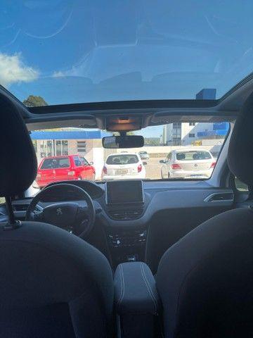 Peugeot 208 Allure Automático - baixa km