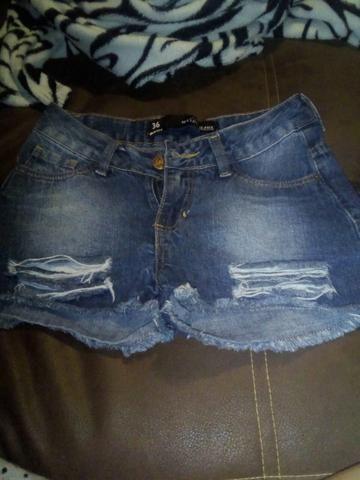 Shorts bem conservados!