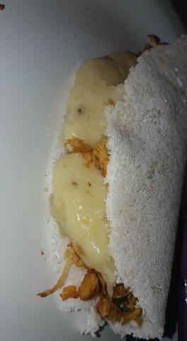 De segunda a domingo ,café da manhã, tapioca pastel, lanches na chapa
