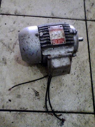 Motor eletrico trifasico weg 1/2 cavalo 1710 rpm