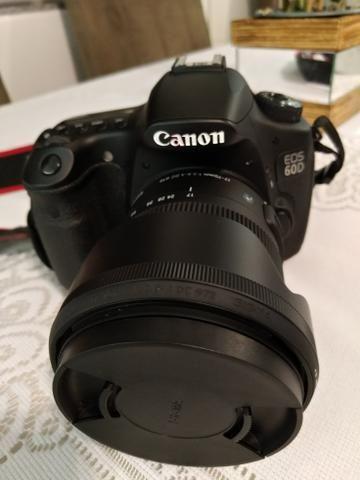 Kit fotográfico Canon 60d Flash lentes 50mm, 18 135mm, 17 70mm tripés acessórios