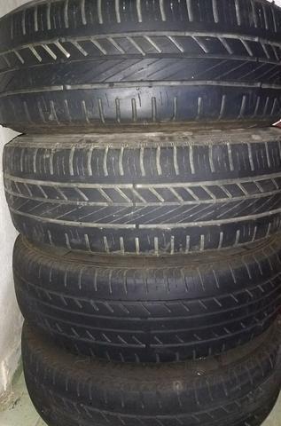 Baixei!! Rodas 14 já com pneus e com calotas originais só R$550