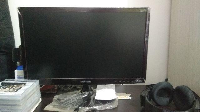 Monitor Full HD 22