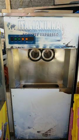 Maquina de sorvete italianinha 4500 reais