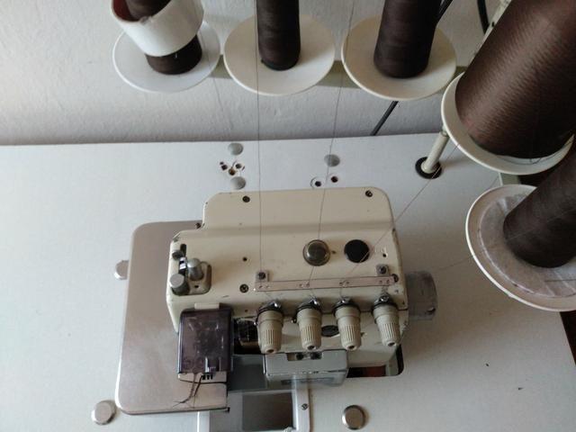 Máquina de costura interlock 900