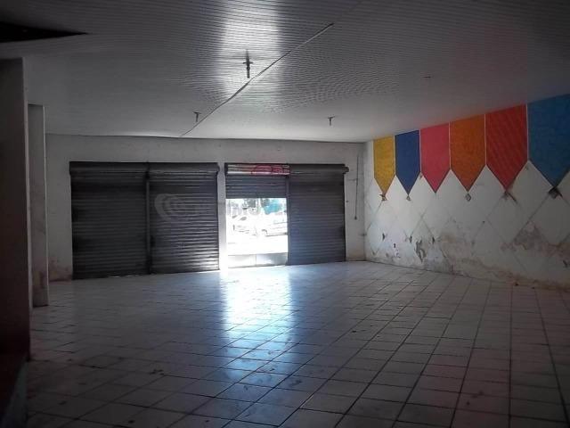 Lojão com Área de 180 m² para Aluguel no Caminho de Areia (767904) - Foto 3