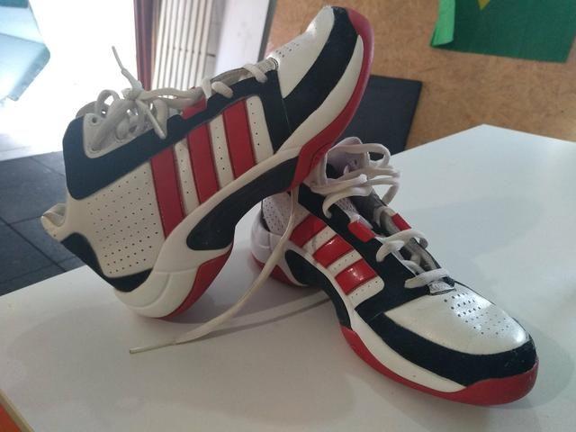 bb3fb4e54f9 Tênis Adidas Basquete original - Esportes e ginástica - Itacorubi ...