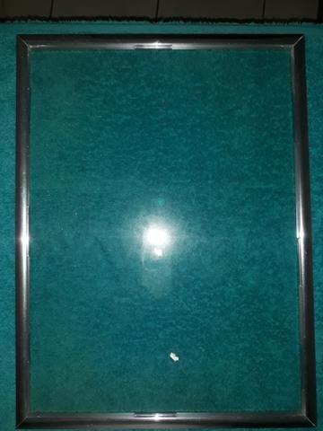 8442a55aa Moldura de aluminio para diploma e certificado 40x30 - Objetos de ...