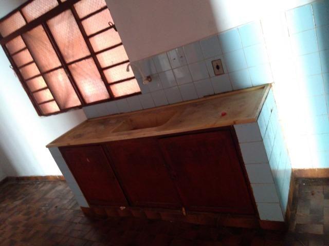 Casa em amplo terreno com edícula nos fundos e poço artesiano - Foto 12