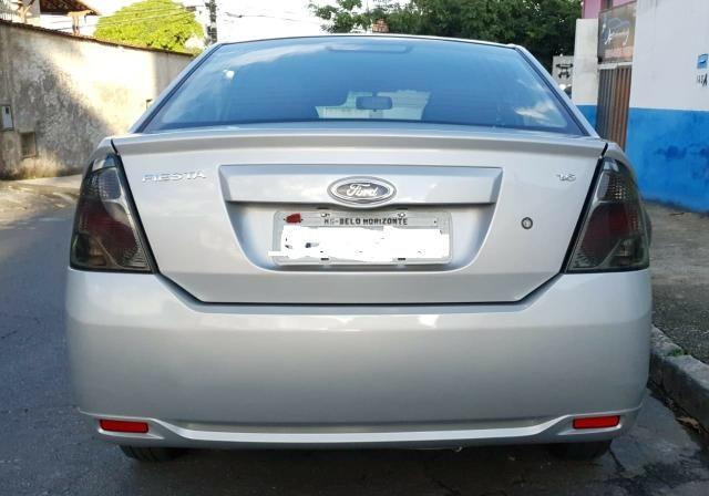 Ford fiesta sedan class 1.6 2013 - Foto 6