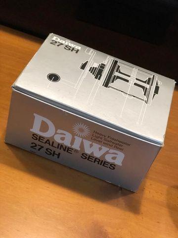 Carretilha Daiwa Sealine 27 SH Nova na Caixa - Foto 2
