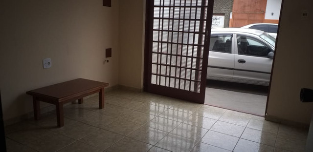 Aluga-se quarto conjugado com cômodo comercial em Franca-SP