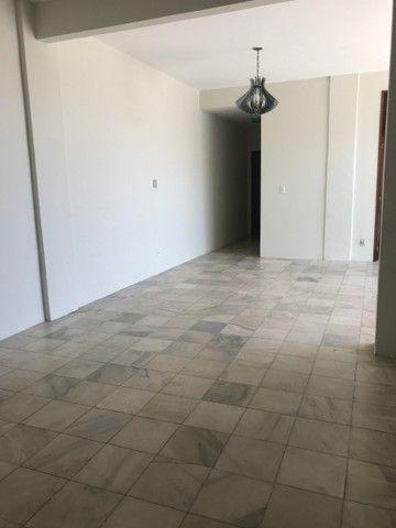 Aluga-se apartamento no centro de Juazeiro do Norte. - Foto 6