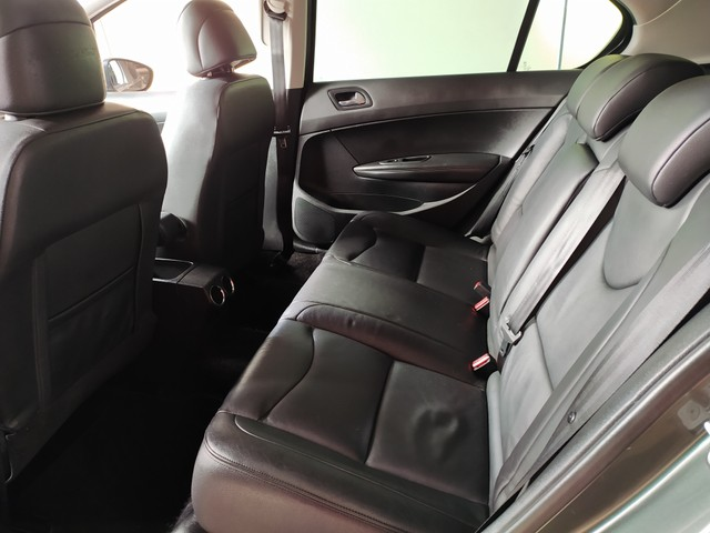 PEUGEOT 408 Sedan Griffe 2.0 Flex 16V 4p Aut. - Foto 8