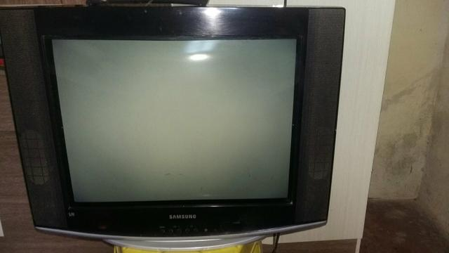 TV Samsung tubo.21 pl