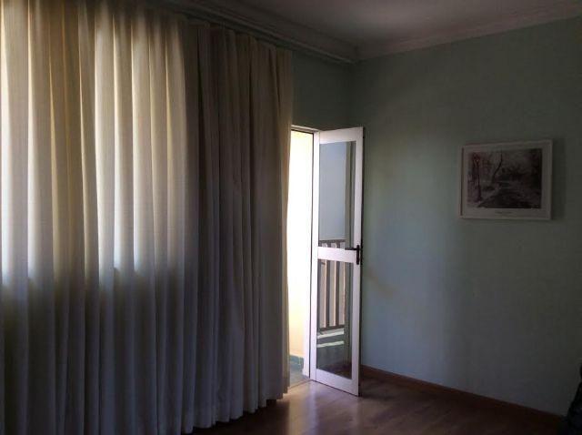TROCO POR SITIO Apartamento com sacada lateral bem localizado santa amelia