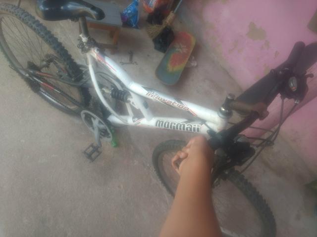 Bike semi nova perfeita leia a descrição