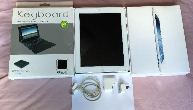 Ipad 3 Geração Apple Wi-fi + 3g 16gb Branco - Tela Quebrada