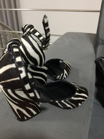 Sapato arezzo seminovo tamanho 35