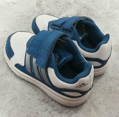 Tênis Adidas n 23